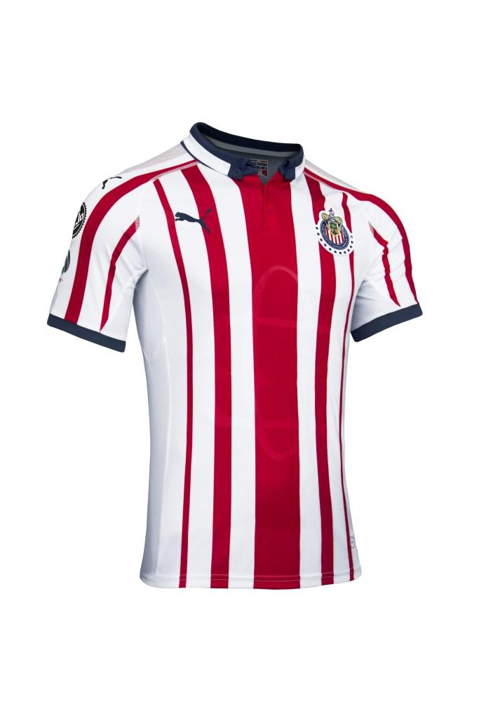 outlet store 58cd0 27904 Con 7 marcas, Chivas presentó su nueva playera