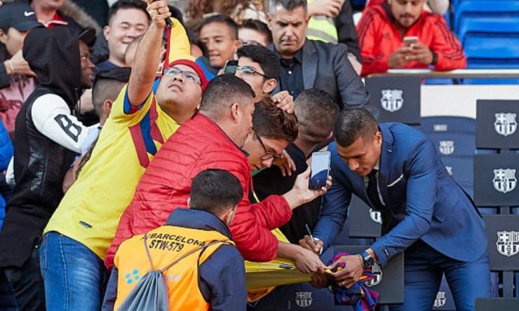 Barça presentó de forma oficial a Murillo