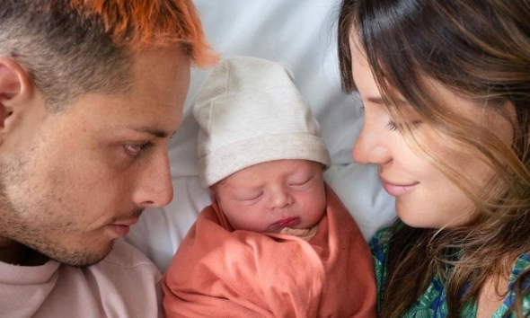 'Chicharito' anunció el nacimiento de su hijo