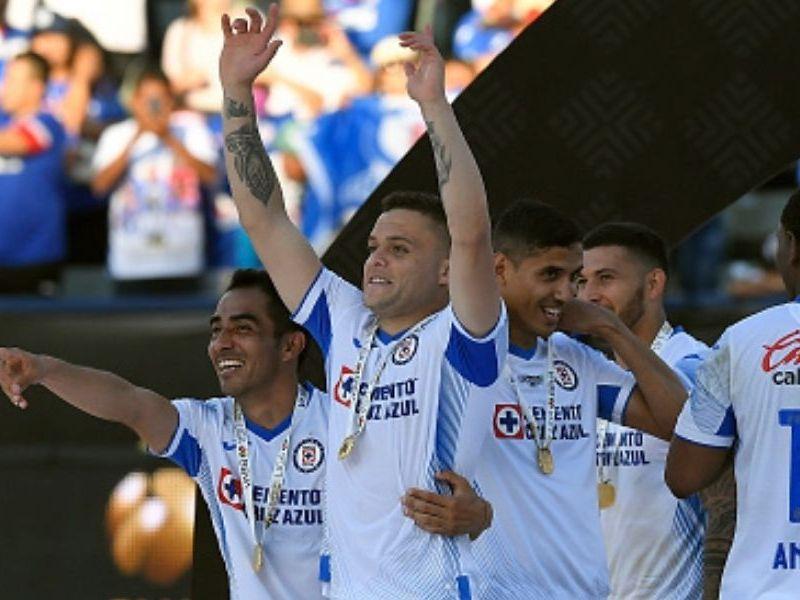 uniforme de Cruz Azul para el Apertura 2021