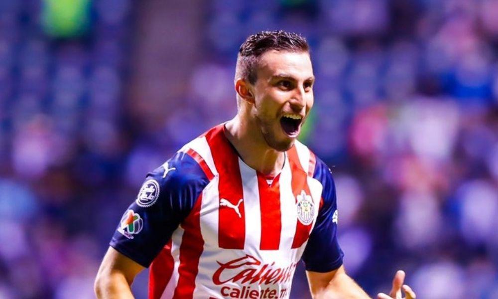 Chivas consiguió su primera victoria en el 'Grita México A21'