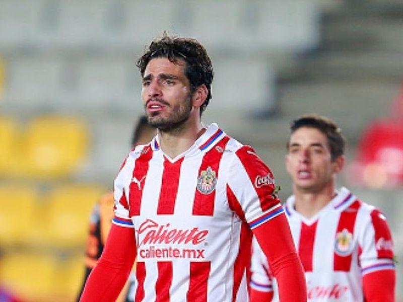 Amaury Vergara piensa vender a Chivas