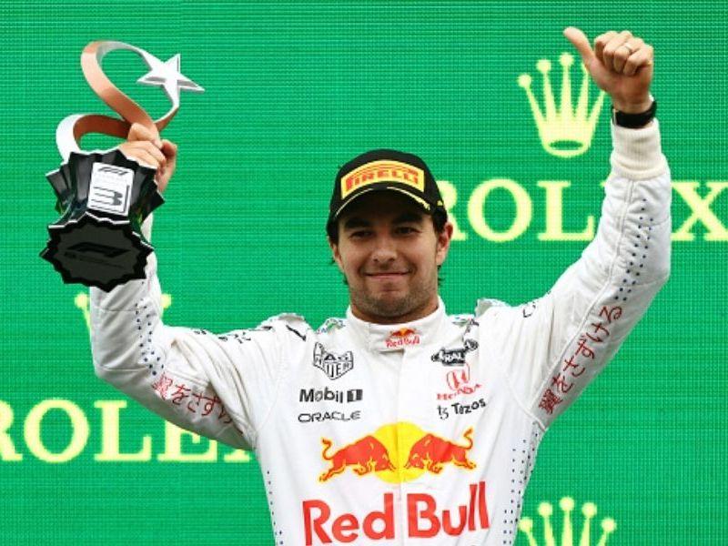 Checo Pérez tercero en GP de Turquía