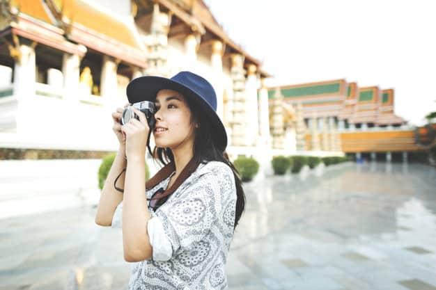 Mulher tirando foto