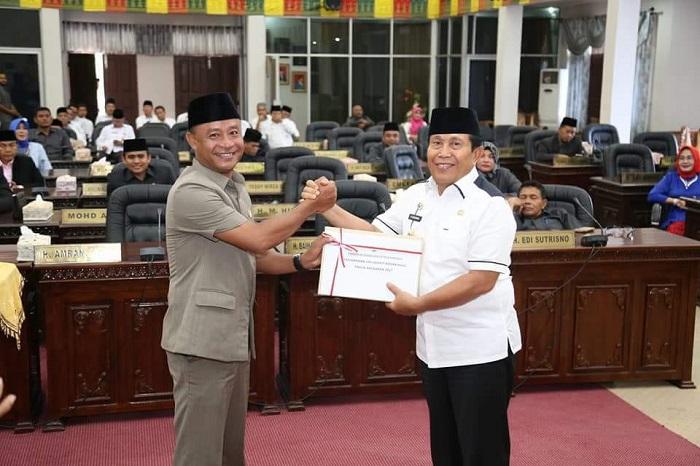 DPRD Rohul Gelar Paripurna Penyampaian LKPJ 2017