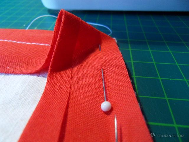 Ecken mit Schrägband einfassen Schritt 2