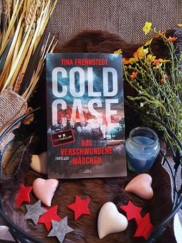 """""""Cold Case - Das verschwundene Mädchen"""" von Tina Frennstedt"""