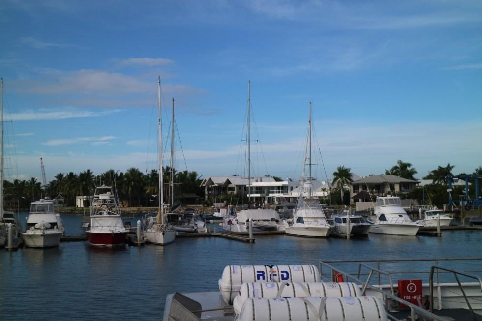 Boote im Port Denarau, Fidschi