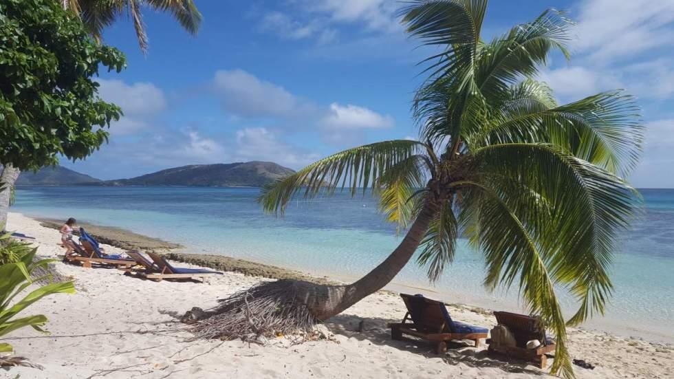 beach of blue lagoon fiji