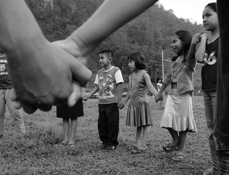 Los niños y las niñas tienen derecho a jugar