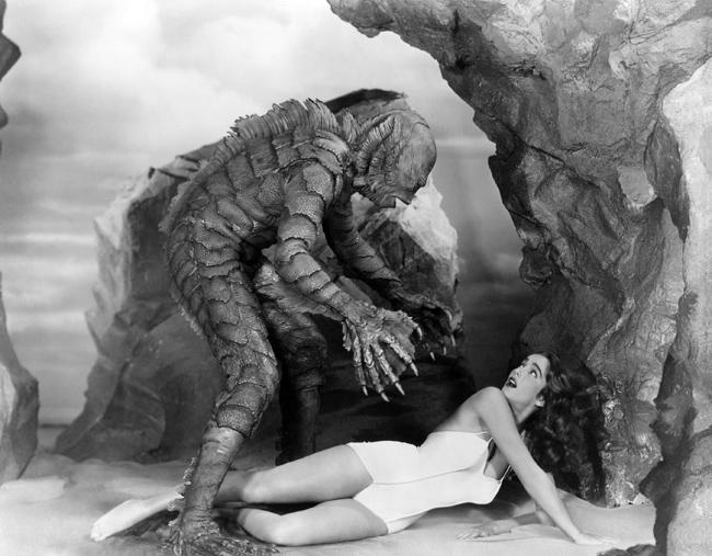 """Fotograma de la película """"La mujer y el monstruo"""" (1954)"""