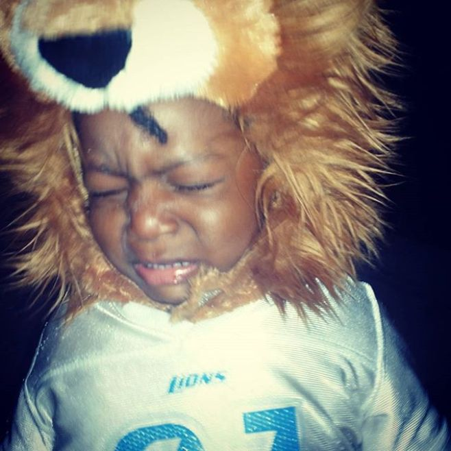 This photo says everything that needs to be said about how both my Halloween night went and how my team's football season is going so far. #DetroitLions #UnhappyHalloween #1sttimetrickortreating