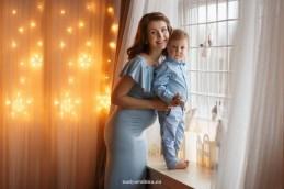 Новогодняя фотосессия 2018, семья: мама и сынок