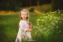 child-photographer-riga-spring-nature1