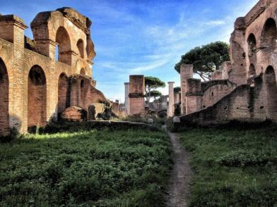 Wohngebäude in Ostia (Antica), dem Handelshafen Roms.
