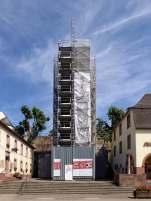 Die Igeler Säule nahe Trier ist ein Grabmonument der Tuchhändlerfamilie der Secundinier um 250 n. Chr. Sie ist heute das größte römische Pfeilergrab nördlich der Alpen und etwa 23 m hoch. Anfang August 2015 war das Monument noch wegen Sanierungsarbeiten eingerüstet.