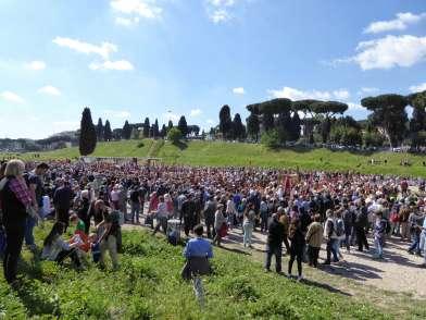 Natale di Roma - die Darsteller präsentieren sich im Circus Maximus
