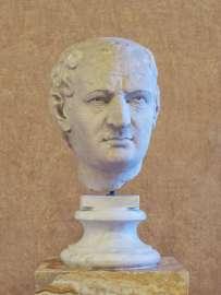 Vespasian (geboren am 17. November 9 in Falacrinae im heutigen Italien; gestorben am 23. Juni 79 in Aquae Cutiliae im heutigen Italien) war vom 1. Juli 69 bis zu seinem Tod römischer Kaiser. Er begründete die flavische Dynastie und war einer der Kaiser des ersten Vierkaiserjahres, in dem er sich gegen seine Rivalen durchsetzen konnte. Die Büste gehört zu Sammlung Mattei und ist undatiert.