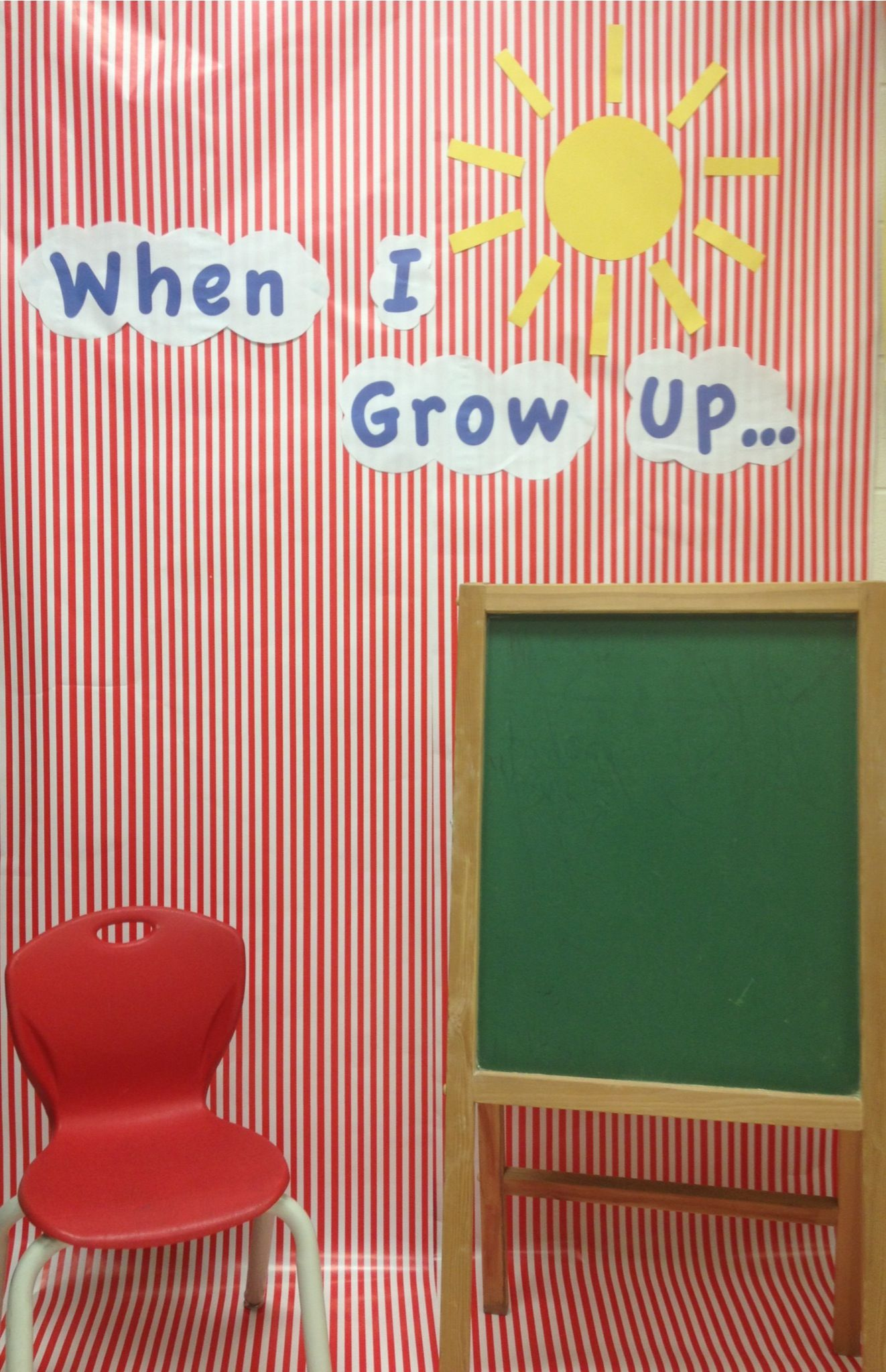 Simple Kindergarten When I Grow Up Photo Booth Materials