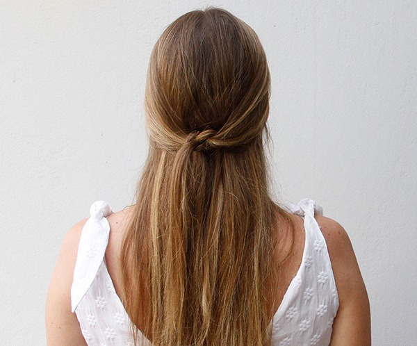 simple-summer-do-knotted-half-updo_100172