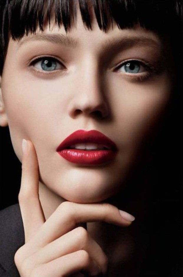 25-glamorous-makeup-ideas-with-red-lipstick-3