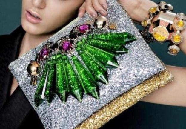 Chandelier-Crystal-Clutch-1