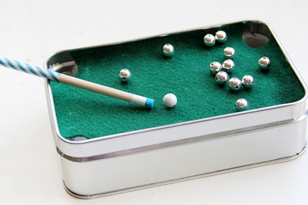 DIY-Gift-for-Dad-Mini-Pool-Table-18