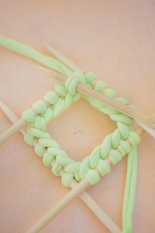 Easy-Knit-Bracelets-1