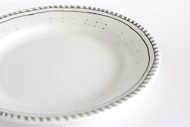 diy-hand-drawn-plate-pattern-2