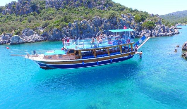 simena kaleköy antik kentine giden tekne turları