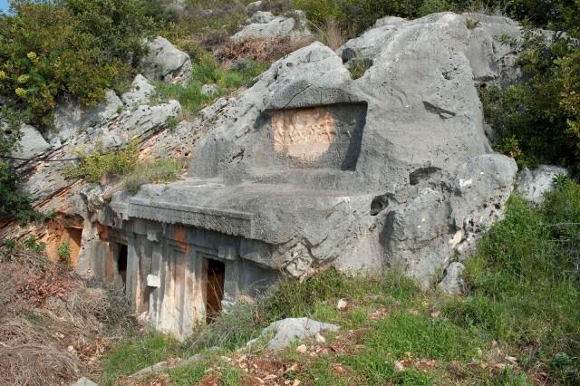 Limyra Antik Kenti kaya mezarları