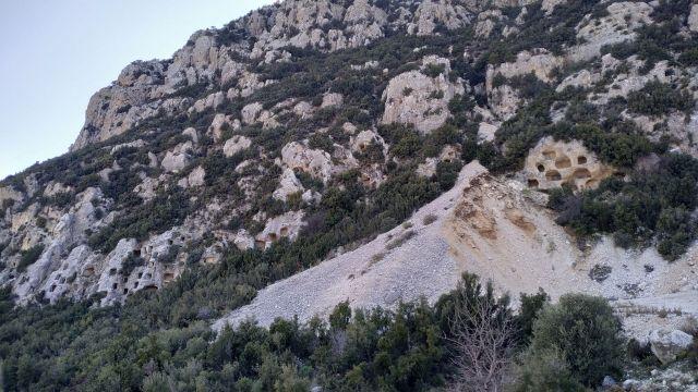 Bezirgan Kaya Mezarları