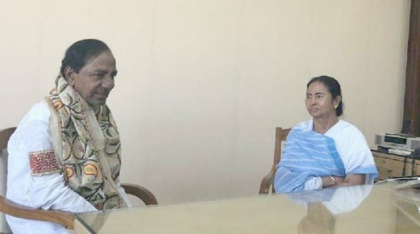 KCR, Mamata agree over federal front to take on BJP and Congress in 2019