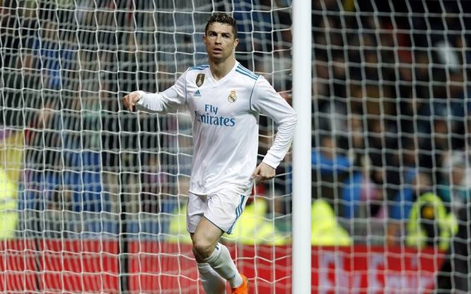 Ronaldo passes 300 La Liga goals in Real win over Getafe