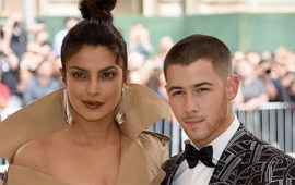 Priyanka Chopra, Nick Jonas confirm engagement in romantic Instagram posts