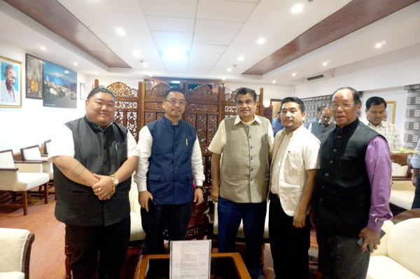Tongpang seeks fund for  improvement of State roads