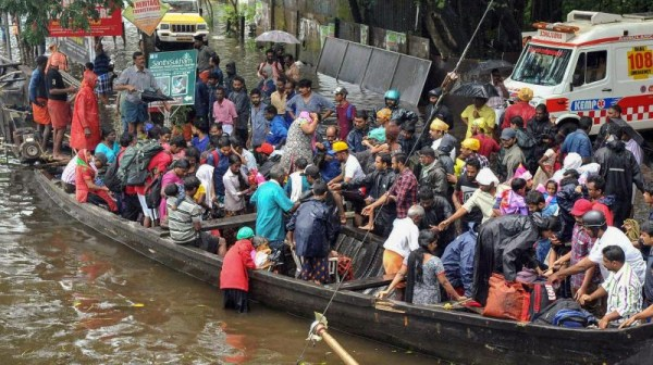 Dead bodies floating, scores rescued as rains continue to haunt Kerala