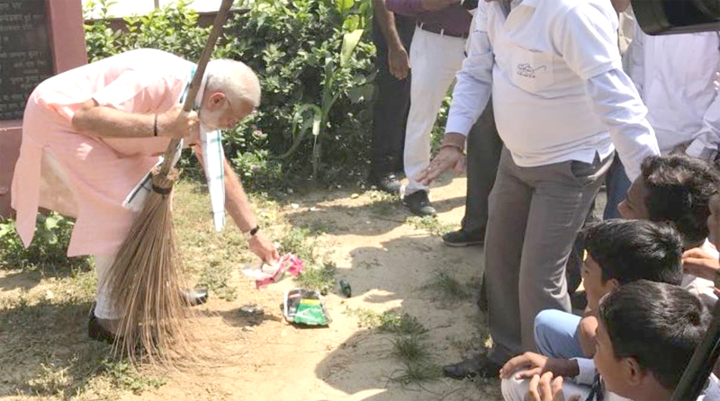 PM Modi launches  'Swachhata Hi Seva Movement'