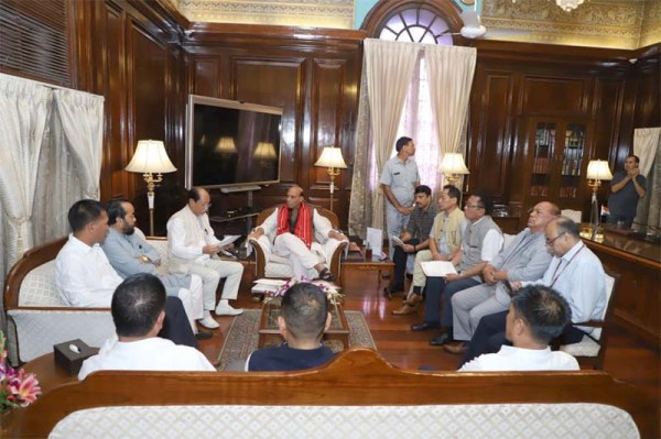 All party delegation led by CM meets Rajnath