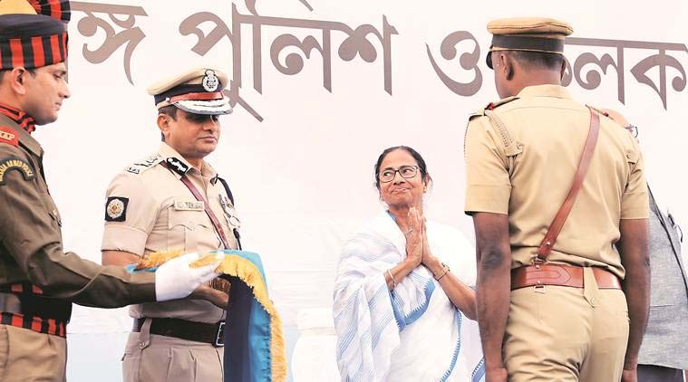 SC asks Kolkata police chief to cooperate with CBI, orders no arrest or coercive action