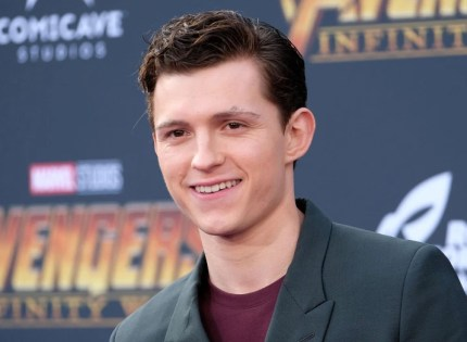 Tom Holland reportedly unfollows Sony