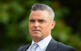 Robbie Williams was 'unable to leave sofa  for three years' due to agoraphobia