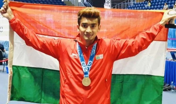 Boxer Shiva Thapa wins gold medal at President's Cup