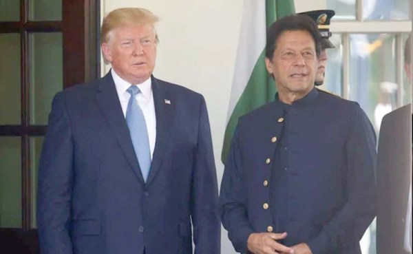 Trump offers to mediate between India & Pakistan on Kashmir issue