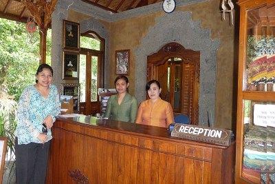 General Manager Yudhi Ishwwari & Staff