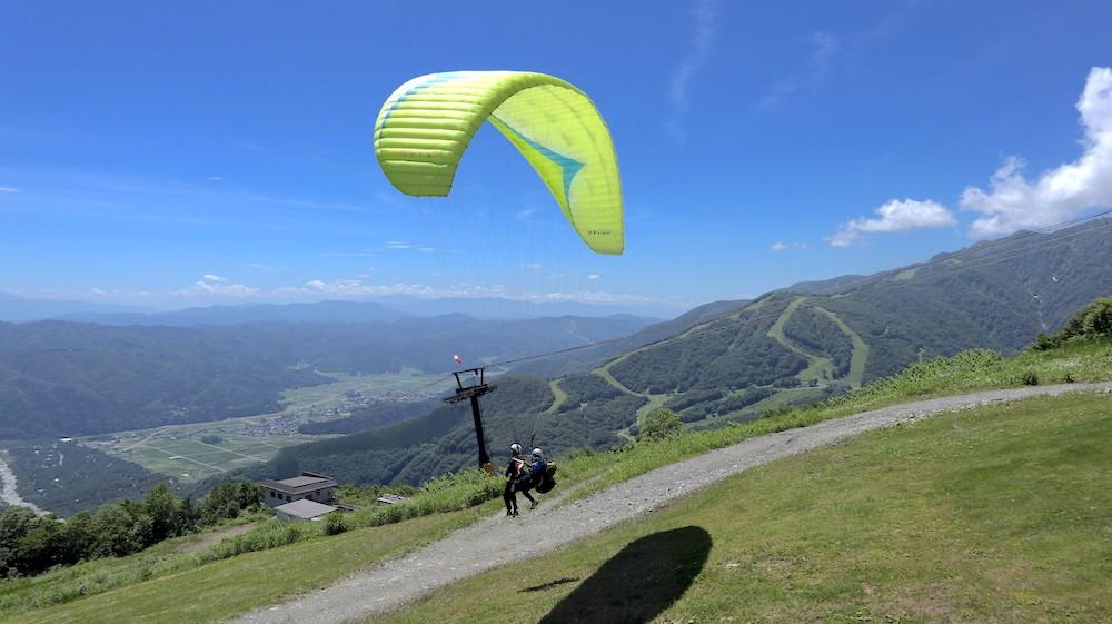 paraglider in hakuba, nagano
