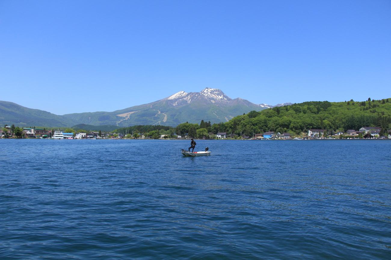 Nojiri lake in nagano