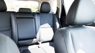 車内に市販の湿気取りは効果ある?何個?置き方でも大分変わるのか?
