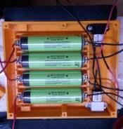 châssis de R.Hasika avec batteries installées et moteurs en place
