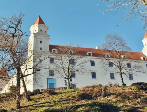 Zamek w Bratysławie.
